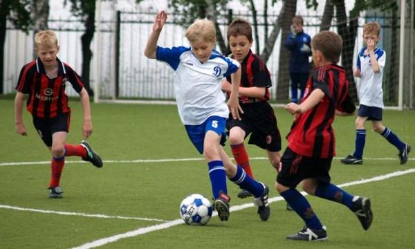 самый быстрый футболист